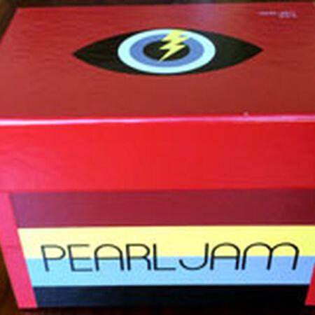 Pearl Jam Lighting Bolt 2013 North American Tour Box